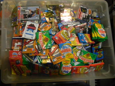 HUGE LOT 100+ BASEBALL CARDS IN UNOPENED PACKS + 10 STARS + RC 1986-1990's MINT!
