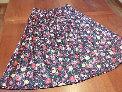 Vintage pleated mid length skirt dark floral pattern- strawflowers Bright sz 14