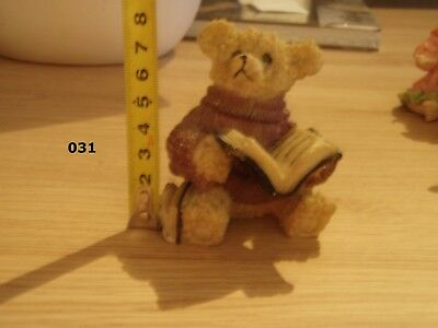 Figurine Ours Qui Lit