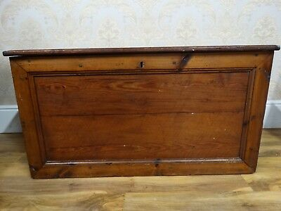 Superb Antique Early 20thC Pitch Pine Oversized extra large blanket box, chest