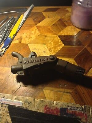 "Vintage Clipper Tool Co Buffalo, N.Y. ""Perfection"" Barrel Spout Threaded Antique"