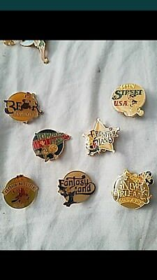 Disney pin lot (6 pins)