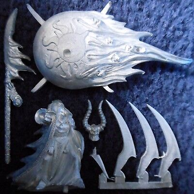2002 Chaos Lord of Tzeentch Games Workshop Warhammer Army Sorcerer Disc Disk GW