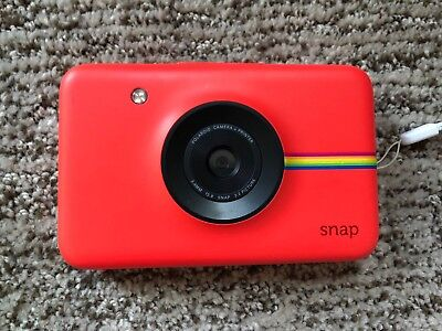 EUC Red Polaroid Snap Instant Digital Camera with ZINK Zero Ink Technology NR!!