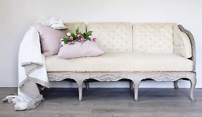 Stunning antique original trag sofa ( tråg soffa) from Sweden