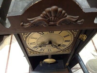 31-day Pendulum Wall Clock ticks but no key so can use for spares or repair