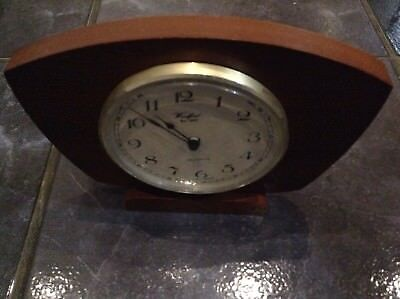 Woodford Quartz Mahogany Mantle Clock