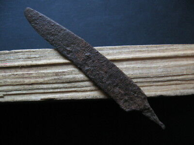 HALLSTATT CULTURE IRON KNIFE ANCIENT CELTIC IRON AGE WEAPON 600-400 B.C. 87 mm.
