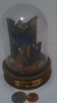 The Franklin Mint John Wayne Limited Edition Hand Painted Sculpture W/Glass Dome