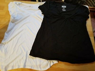 Maternity lot of 2, T Shirt & Top Old Navy Size M Black and white