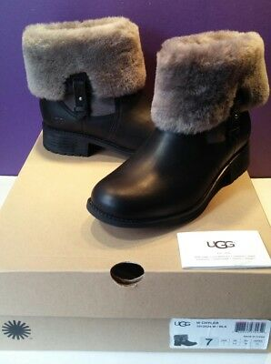 38cf122687d UGG CHYLER LEATHER Cuffed Sheepskin Black Ankle Boots Size 7 Us
