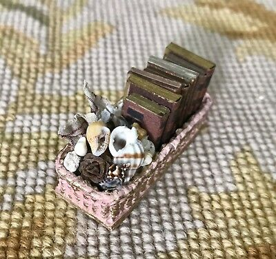 Pat Tyler Dollhouse Miniature Wicker Basket Tray W/ Books Fabric Shells p129