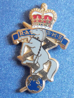 Royal Australian Electrical & Mechanical Engineers Raeme Lapel Badge Enamel 25Mm
