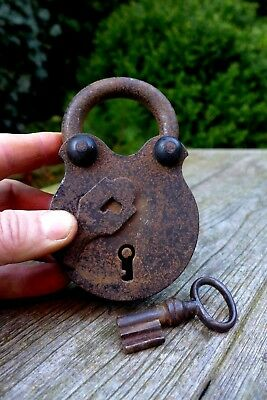 Antique Vintage Padlock With One Working Key Rare Collector 08-08