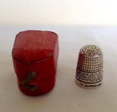 Antique Hallmarked Sterling Solid Silver Chester 1901 Small 14 Thimble Boxed