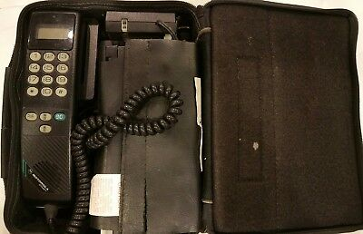 Motorola Dynasty Vintage 1990s Travel CAR PHONE SCN2390A Powers On but Untested