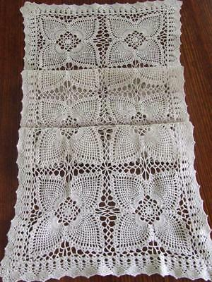 Superb Hand Crocheted Vintage Ecru Table Runner - Four Pointed Pineapple Design