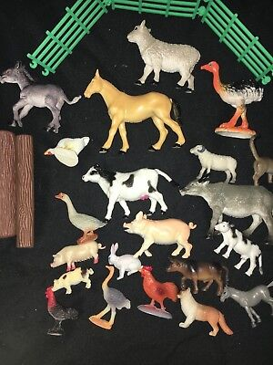Lot Of 26 Toy Plastic Small Animal Farm Figures Horse Pig Cow Cat Chickens Gate