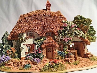 """Lilliput Lane House - """"The Pottery"""" - L2123  In original box - no deed -1988"""