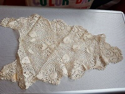 A COLLECTION OF VINTAGE COLLARS & CUFFS ETC - Lace & Embroidery
