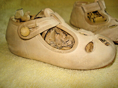 Antique Victorian BABY SHOES White Glove Leather Button Strap GIRL/DOLL Sz 2