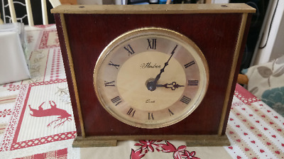 Vintage Wooden and Brass Mantle Quartz Clock by Hinderer Made in England working