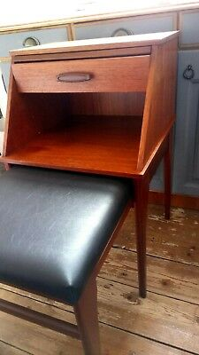 Retro vintage 'Chippy Heath' telephone seat. Fantastic condition.