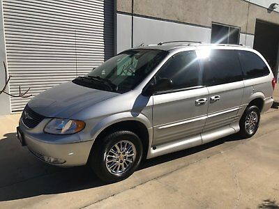 2002 Chrysler Town & Country  2002 CHRYSLER TOWN & COUNTRY HANDICAP ACCESSIBLE MINI VAN