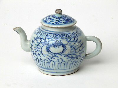 19th C. Antique Chinese Porcelain Qing Dynasty Blue and White Teapot Wine Pot