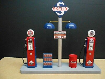 """"""" Skelly """" Gas Pump Island Display W/gas Price Sign, 1:18Th, Hand Crafted, New"""