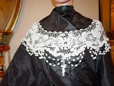 Antique Irish Crochet Lace collar  19thc collar Leaves Florals Dangles
