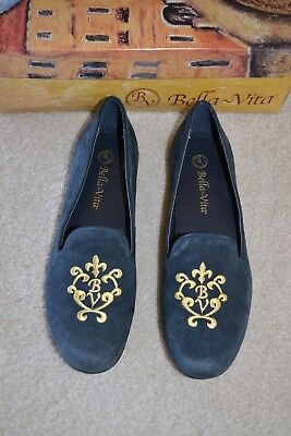 Bella Vita Navy Suede Flat Shoes Sz. 7 - NEW
