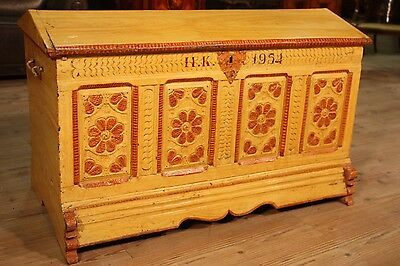 Chest north europe trunk wood lacquered painting furniture antique style 900 XX