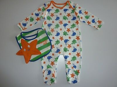 MUMMY's Little STAR Sleepsuit and Matching Bib Size 6-9 Months NWT