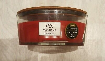 Large Woodwick candle. Crimson berries. Crackles as it burns.16oz. 453.6g.