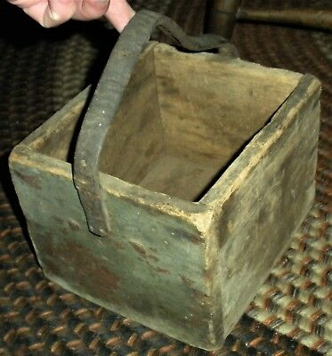 ANTIQUE c1820 PRIMITIVE SMALL TOOL GATHERING BOX GREEN PAINT LEATHER HANDLE vafo