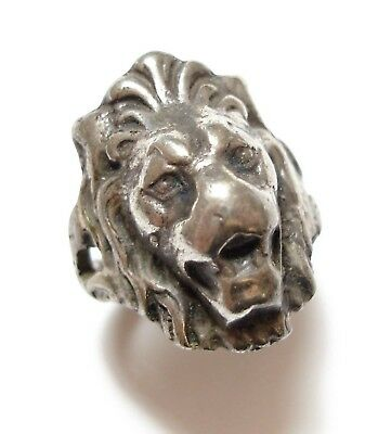 Beautiful Vintage / Antique Silver Lion Head Regal Ring Band Curio Novelty (B8)