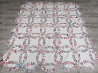 Cottage c 1930s Double Wedding Ring QUILT Top Vintage Feedsacks