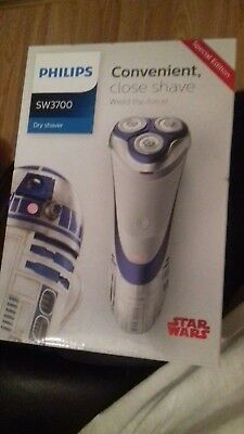 Philips Star Wars R2-D2 Dry Electric Shaver SW3700/07 brand new in sealed box