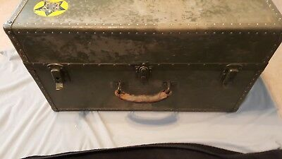 Vintage WWII US Military foot locker trunk