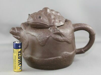Important Chinese Yixing Teapot Made By Yixing Master Fan Jianhua 范建华 Signed