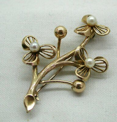 Lovely 9 Carat Gold And Cultured Pearl Flower Spray Brooch