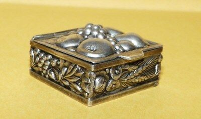 "~VINTAGE~""ART NOUVEAU""~STYLE~STERLING~SILVER~w/ ORNATE~""FRUIT""~DESIGN~PILL~BOX~"