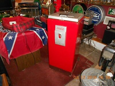 Vintage Coca Cola Cavalier Office Cooler Fd-2