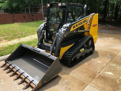 2018 New Holland C227 Compact Track Loader w/Cab, A/C Heat, Stereo ONLY 36 HRS