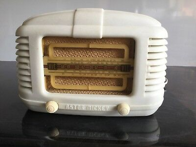 Vintage Astor Mickey Valve Radio Bakelite Cream Art Deco