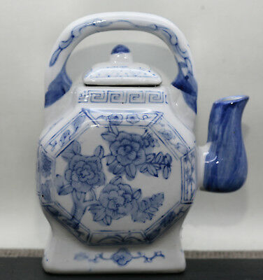 Gorgeous  Chinese Porcelain Blue & White Decorative Wine Pot Hand Painted