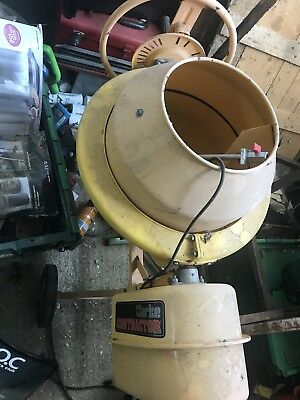 Cement Mixer / Concrete / Plaster / Mortar. Small electric
