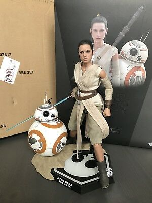 Sideshow Hot Toys Star Wars Rey And BB8 MMS337 1/6 scale Force Awakens