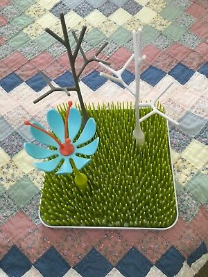 EUC Boon Baby Bottle/Pacifier/Teethers Grass Drying Rack with trees